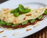 Nutella+and+Kiwi+Crepes+with+Toasted+Almond+Slices+500_large