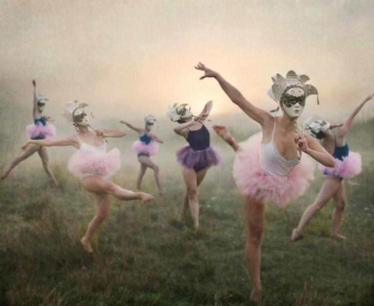 3LeahJohnston.masquerade