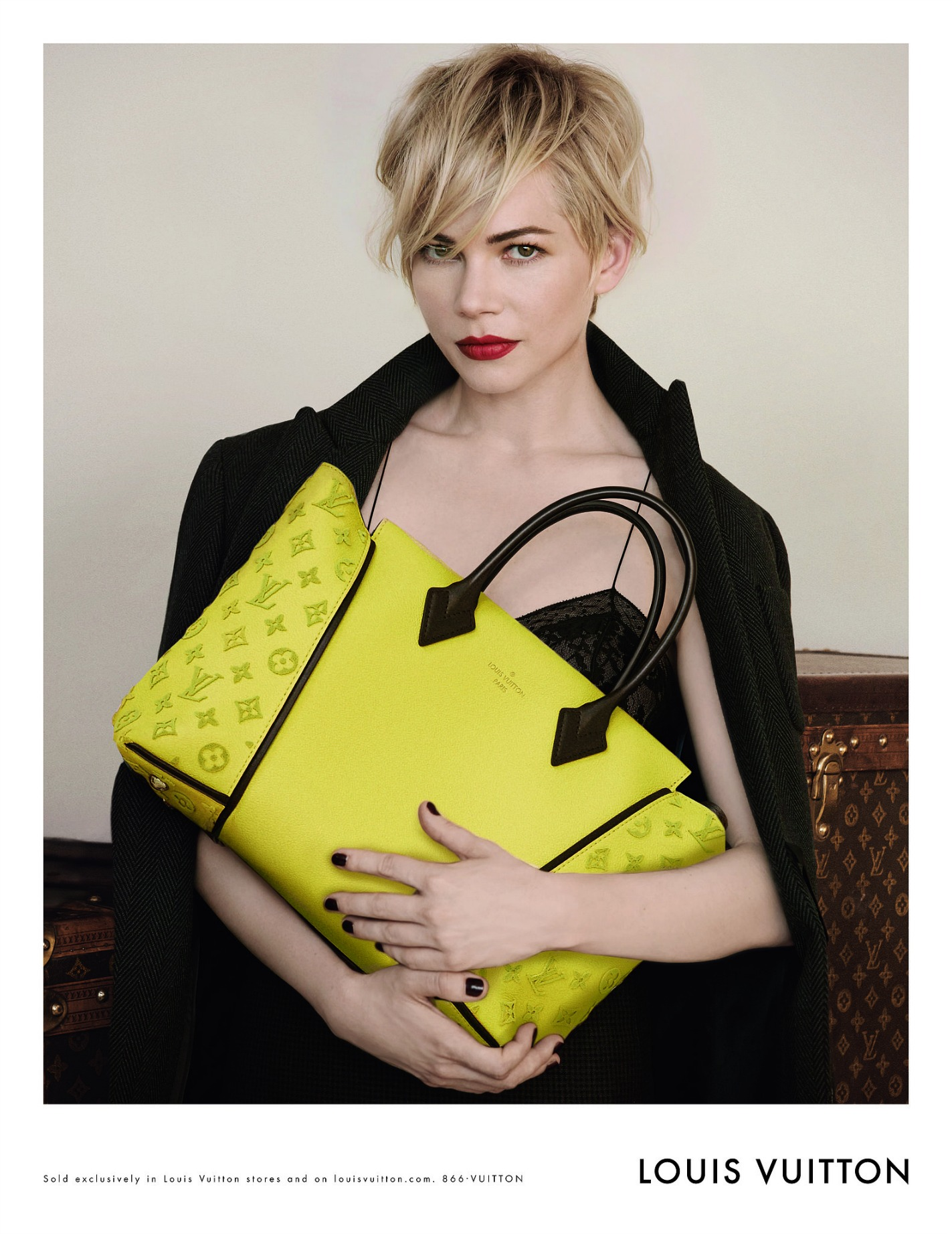 Michelle-Williams-Fall-2013-Louis-Vuitton-Handbag-Campaign10