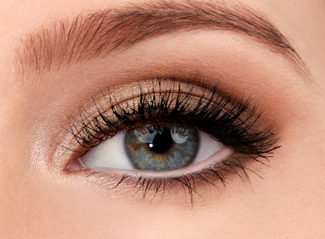 40e48c151db Lulus How-To: Golden Smokey Eyeshadow Tutorial - Lulus.com Fashion Blog