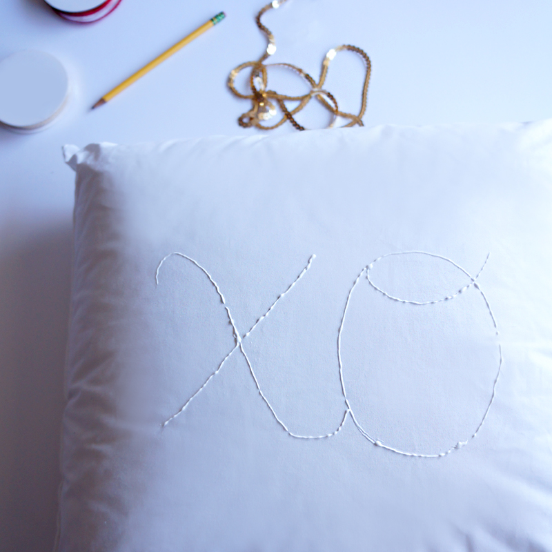DIY Sequin Pillow at LuLus.com!