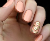 Mani Monday: Peach and Gold Studded Nail Tutorial