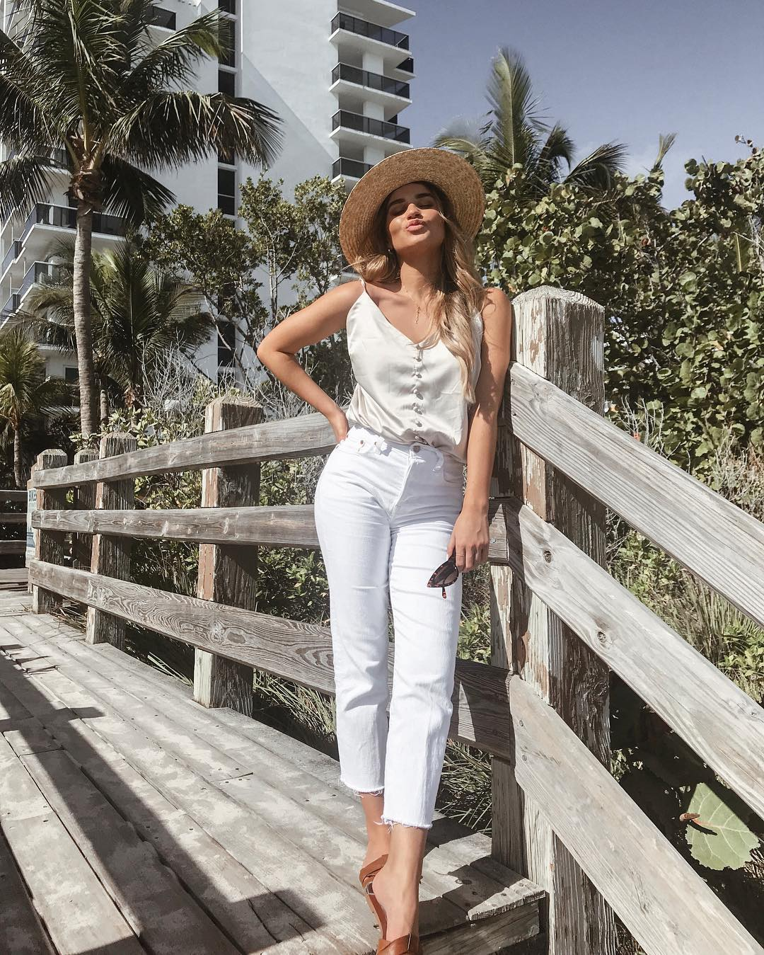 cheapest latest fashion good selling What to Wear on a Beach Vacation: 10 Outfit Ideas for an ...