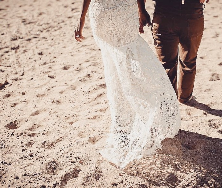 dresses to wear to a beach wedding