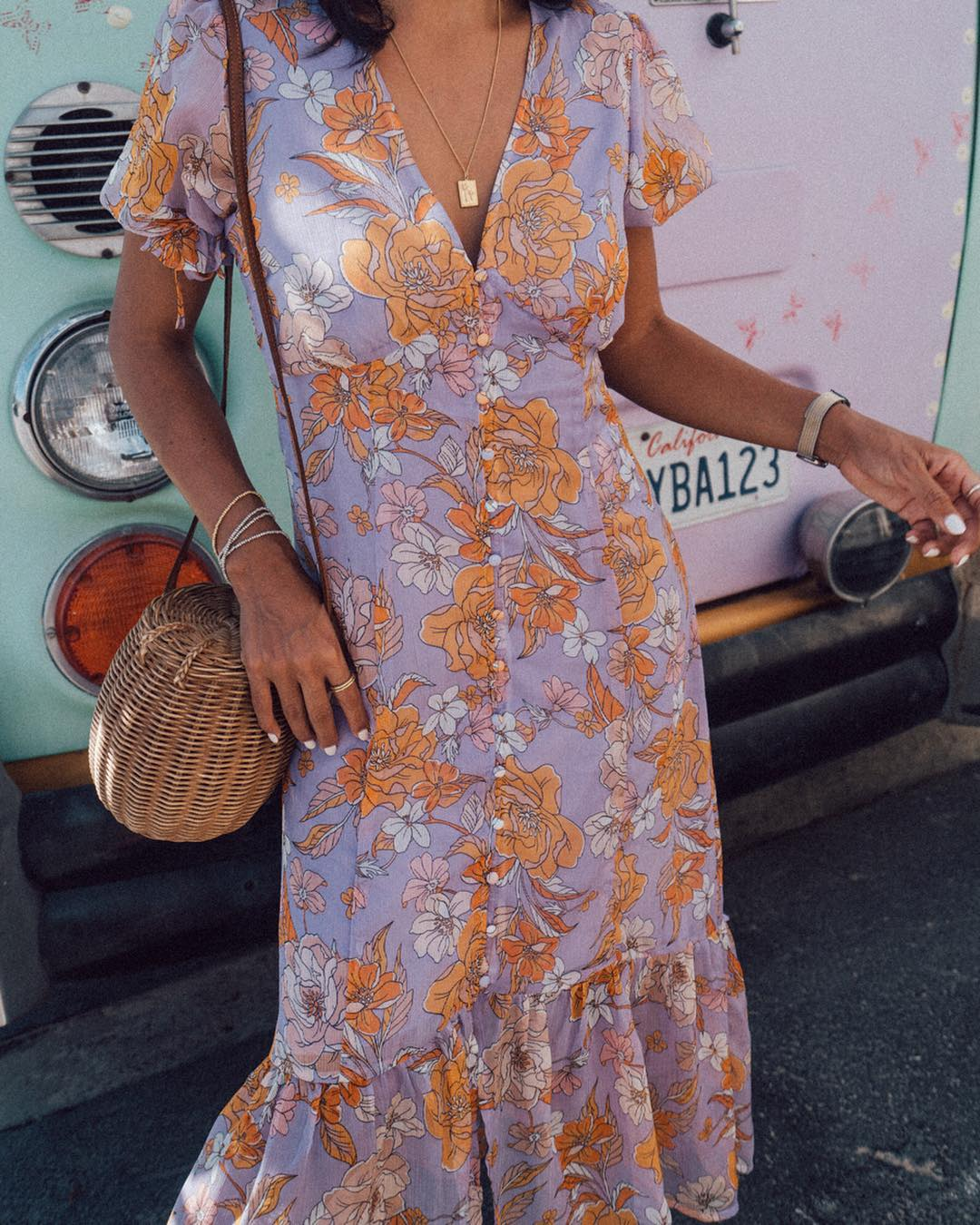 Dresses To Wear To A Beach Wedding The Complete Guide Lulus Com Fashion Blog,Knee Length Fall Wedding Guest Dresses With Sleeves