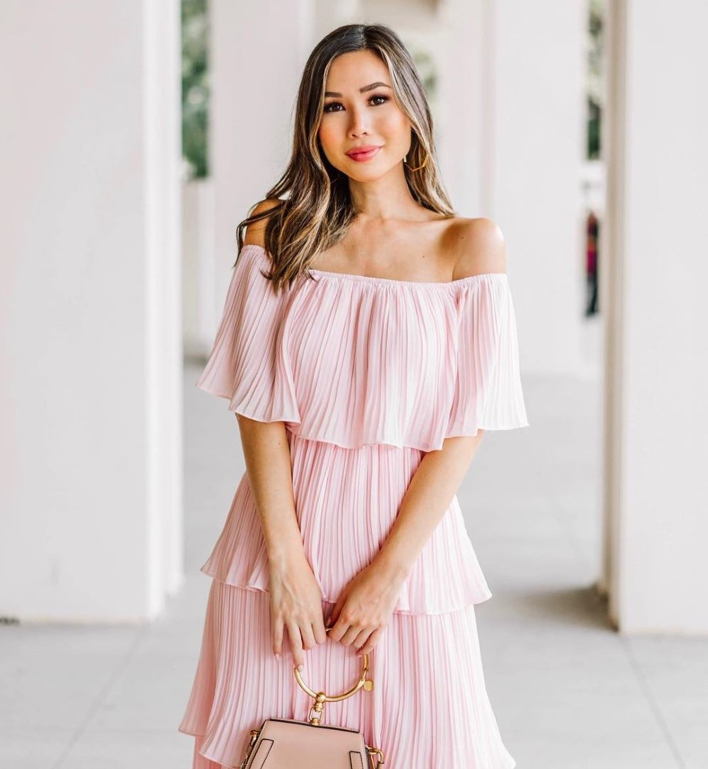 Dresses To Wear To A Beach Wedding The Complete Guide Lulus Com Fashion Blog
