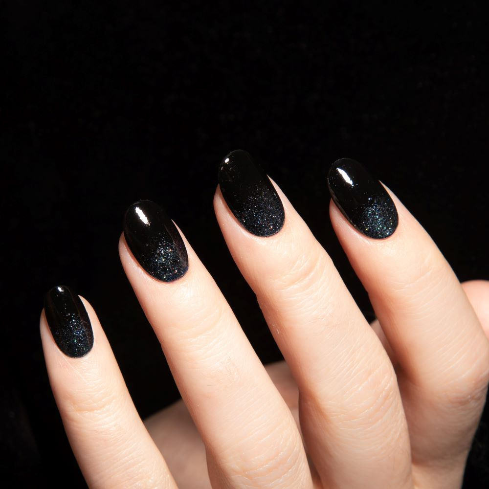 Black Glitter Nails:These Halloween Nails Are Spooky-Chic ...