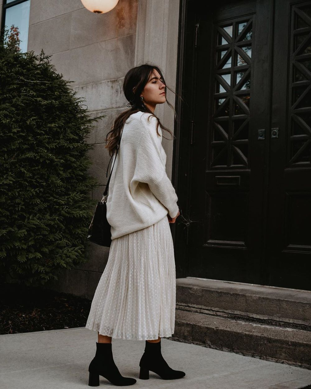 20 Sweater Outfits to Copy This Cozy Season   Lulus.com Fashion Blog