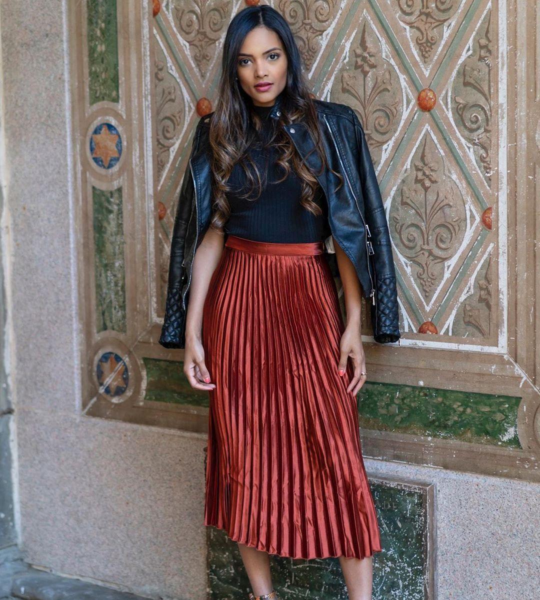 Elegant Satin Skirt Pleated Midi Silk Skirt