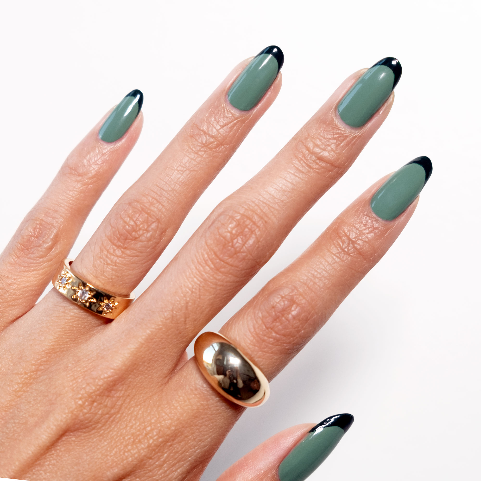 Two Tone Green Nails Are The Fall French Mani You Ve Got To Try Lulus Com Fashion Blog