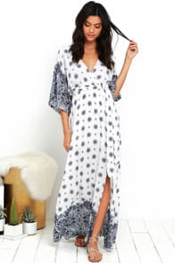 South of France Blue and Ivory Print Maxi Dress at Lulus.com!