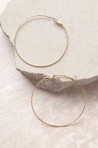 Come and Get It Gold Hoop Earrings at Lulus.com!