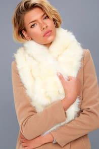 Maisie Cream Faux Fur Scarf at Lulus.com!