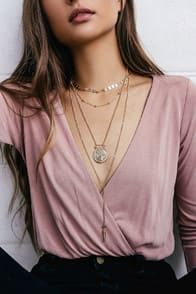 VALLETTA GOLD LAYERED NECKLACE at Lulus.com!