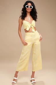 Tomas Yellow Gingham Culottes at Lulus.com!