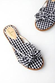 Delilah Black Gingham Slide Sandals at Lulus.com!