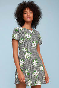 Picnic Please Black and White Gingham Floral Print Dress at Lulus.com!