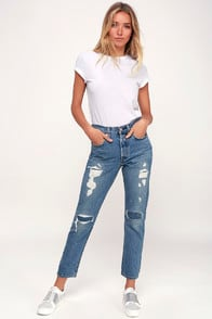 501 Skinny Light Wash Distressed Jeans at Lulus.com!