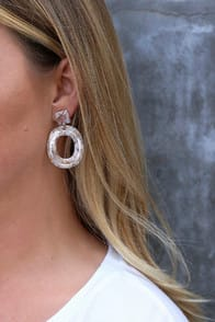Tezra Beige Acrylic Earrings at Lulus.com!
