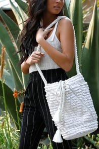 Perth Ivory Woven Bucket Bag at Lulus.com!