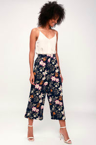 Last Bud Not Least Navy Blue Floral Print Culottes at Lulus.com!