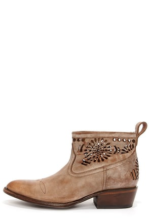 Matisse Shelby Beige Burnished Leather Cutout Ankle Boots