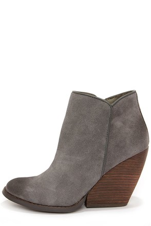 Very Volatile Whitby Navy Suede Leather Wedge Booties at Lulus.com!