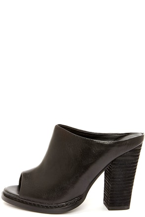 Chinese Laundry Good Life Black Leather Peep Toe Mules