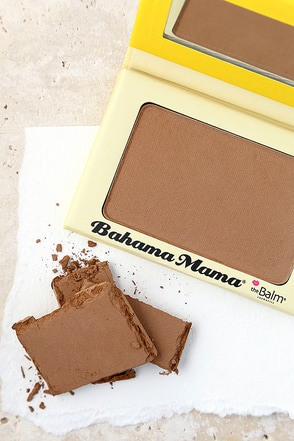 The Balm Bahama Mama Bronzer at Lulus.com!