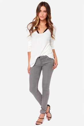 Blank NYC Channings Taken Grey Skinny Jeans at Lulus.com!