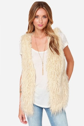 It's a Wild World Cream Faux Fur Vest