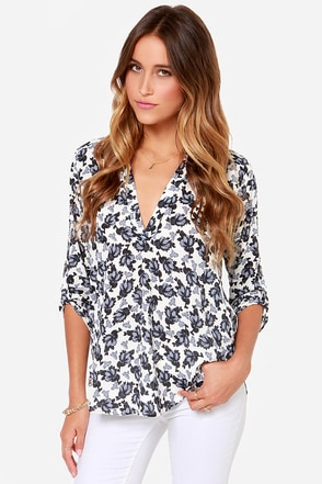 V-sionary Grey and Navy Floral Print Top