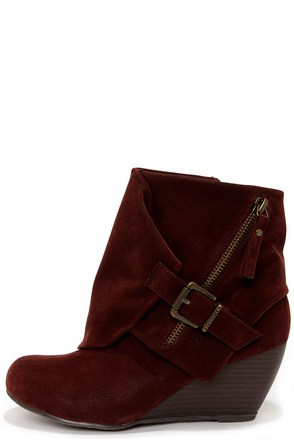 Blowfish Bilocate Burgundy Fawn Belted Wedge Boots