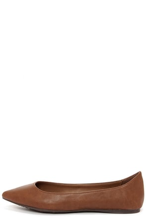 Talia 11W Tan Pointed Flats at Lulus.com!