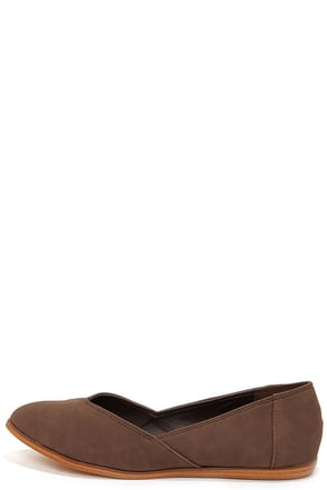 Soda Roast Brown Nubuck Flats at Lulus.com!