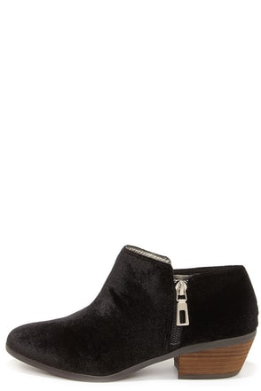 Very Volatile Selma Black Velvet Booties