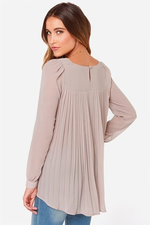 LULUS Exclusive Trade Secrets Light Peach Top at Lulus.com!