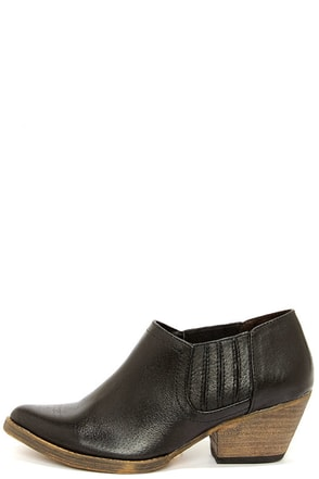 Very Volatile Jackson Black Leather Western Ankle Boots