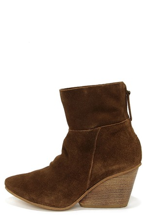 Matisse East Brown Suede Leather Wedge Booties