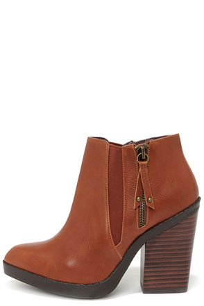 Chelsea Crew Krystle Cognac Pointed Toe Ankle Boots at Lulus.com!