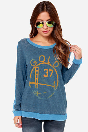 Chaser Gold 37 Vintage Blue Print Long Sleeve Top