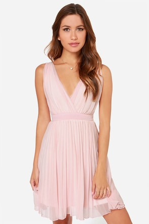 LULUS Exclusive Lady Artemis Pleated Peach Dress at Lulus.com!
