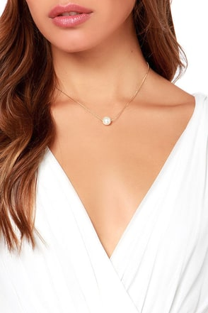 LULUS Exclusive String Along Gold Pearl Necklace at Lulus.com!