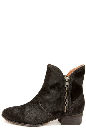 Seychelles Lucky Penny Black Pony Hair Ankle Boots at Lulus.com!