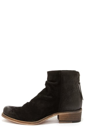 Seychelles Challenge Black Suede Leather Ankle Boots