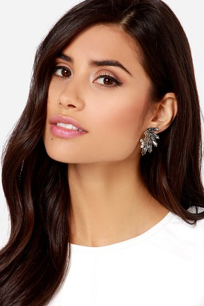 The Seeker Grey Rhinestone Earrings at Lulus.com!