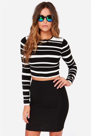 Crop Culture Black and White Striped Cropped Sweater at Lulus.com!