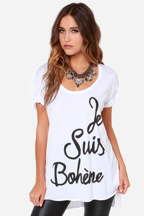 Chaser Je Suis Boheme Oversized White Tee at Lulus.com!