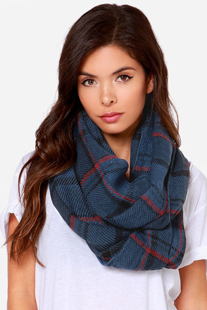 Put in Print Grey Plaid Infinity Scarf at Lulus.com!