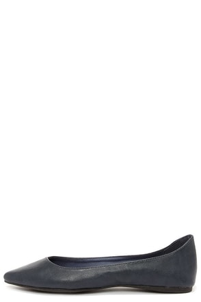 Talia 11W Navy Blue Pointed Flats at Lulus.com!